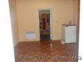 Продам двухкомнатную квартиру в частном доме с двориком в Житомирской обл.