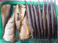 Домашнє копчення на дровах. Риба,  вуха свині,  ковбаса,  підчеревина.